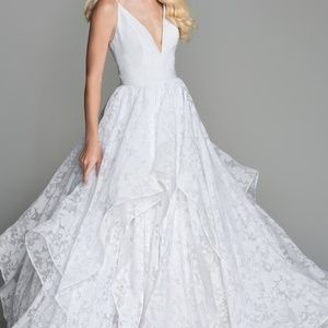 WToo Wedding dress size 6, perfect condition